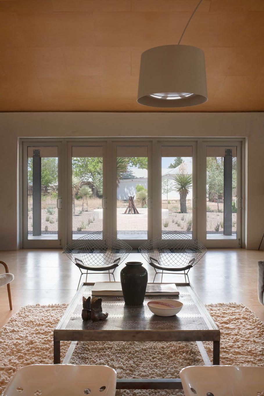 lucas-lenglet_former-gallerists-living-room