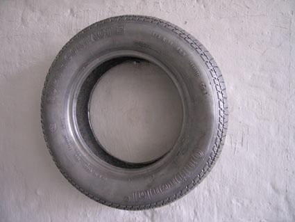 lucasa-lenglet_tool-tyre_2006_front